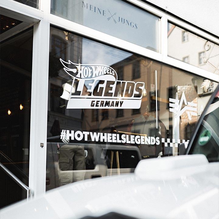 hot wheels, alpha industries, schaufenster, laden
